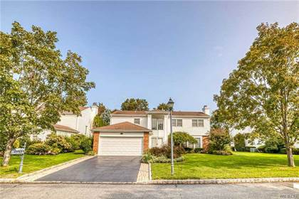 Residential Property for sale in 149 Country Club Dr, Commack, NY, 11725