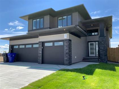 Residential Property for sale in 314 Canyon Meadows Road W, Lethbridge, Alberta, T1K 8E7