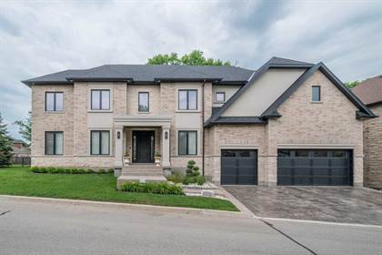 Residential Property for sale in 258 Edgewater Cres 4, Kitchener, Ontario, N2A 4M2