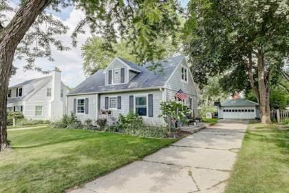 Residential Property for sale in 610 N 98th ST, Wauwatosa, WI, 53226