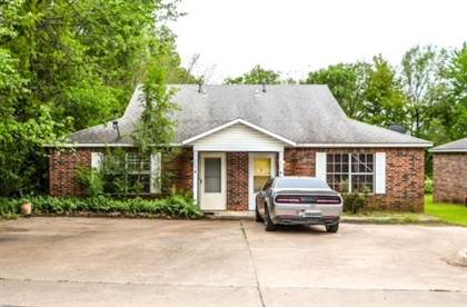 Multifamily for sale in 205  W Parks  ST, Prairie Grove, AR, 72753