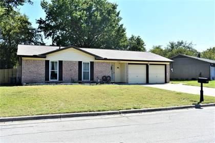 Residential Property for sale in 1701 Lachelle Lane, Arlington, TX, 76010
