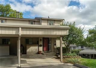 Condo for sale in 1591 CHARTER OAK Drive, Rochester Hills, MI, 48309