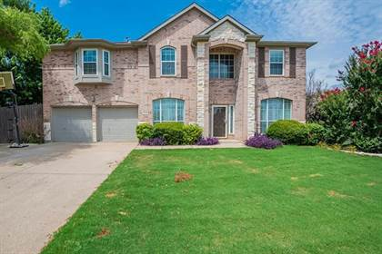 Residential for sale in 5505 Coronation Drive, Arlington, TX, 76017