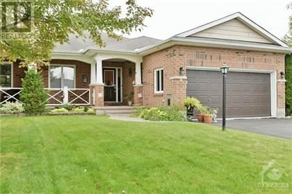 40 STOWGRASS CRESCENT,    Stittsville,OntarioK2S2A1 - honey homes