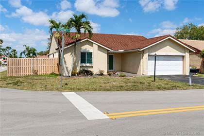 Residential for sale in 5941 Epsom Ln, Davie, FL, 33331