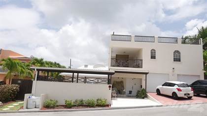 Residential Property for sale in 4 Bedroom, 3.5 Bathroom House in Fort George Heights, St. George