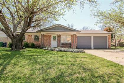 Residential for sale in 5716 Saramac Drive, Fort Worth, TX, 76148