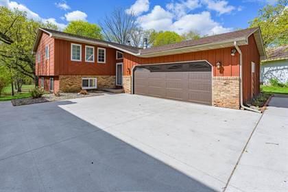 Residential Property for sale in 908 Sandhurst Drive W, Roseville, MN, 55113