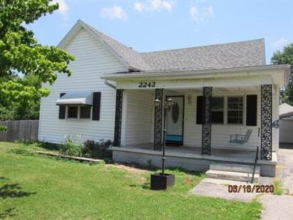 Residential for sale in 2242 North Douglas Avenue, Springfield, MO, 65803