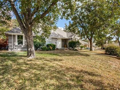 Residential for sale in 2121 Canton Drive, Fort Worth, TX, 76112