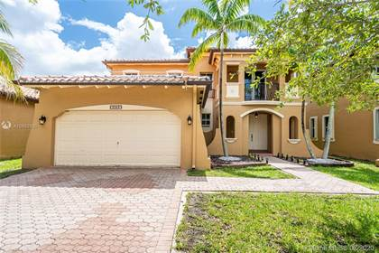 Residential for sale in 3083 SW 156th Pl, Miami, FL, 33185