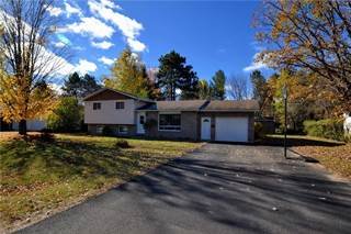 Single Family for sale in 14 MUELLER CRESCENT, Petawawa, Ontario
