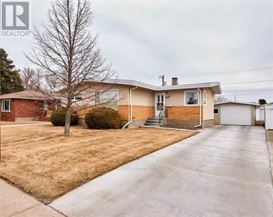 Single Family for sale in 531 8 Street NE, Medicine Hat, Alberta, T1A5R9