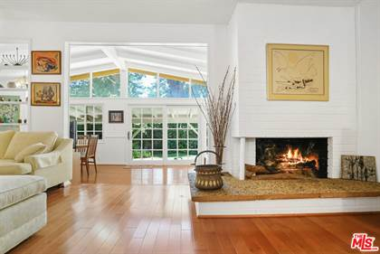 Residential Property for sale in 17901 Valley Vista Blvd, Encino, CA, 91316