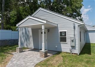 Condo for sale in 89 Canonchet Avenue, Warwick, RI, 02888