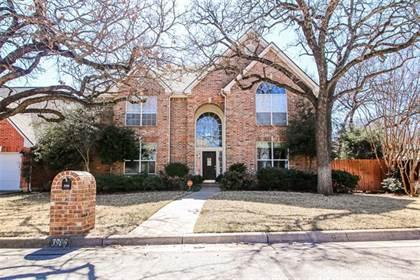 Residential for sale in 3906 Farmingdale Drive, Arlington, TX, 76001