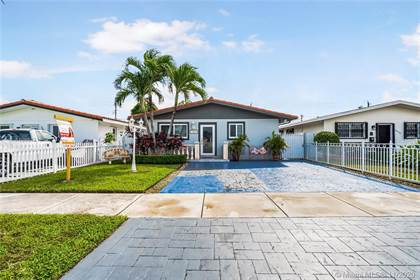 Residential Property for sale in 10560 SW 27th St, Miami, FL, 33165