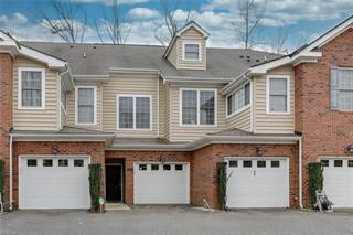 Townhouse for sale in 204 Lakeview Cove, Smithfield, VA, 23430