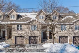Townhouse for sale in 65 Fairwood Place W, Burlington, Ontario, L7T 1E4