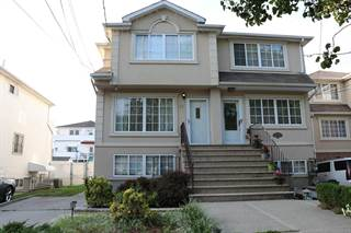 Multi-family Home for rent in 31 Clay Pit Road BSMT, Staten Island, NY, 10309