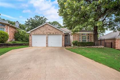 Residential Property for sale in 5933 Sagebrush Trail, Arlington, TX, 76017