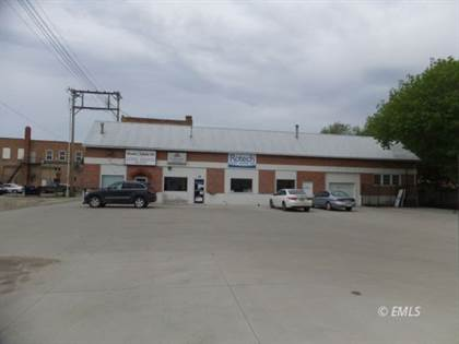 Commercial for sale in 15 N 8th St, Miles City, MT, 59301
