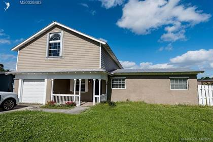 Residential Property for sale in 35 SW Cabana Point Circle SW, Stuart, FL, 34994