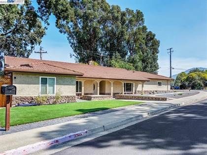 Residential Property for sale in 5539 Southbrook Dr, Clayton, CA, 94517