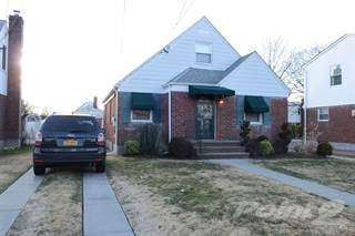 Residential for sale in 463 Latham Rd., Mineola, NY, 11501