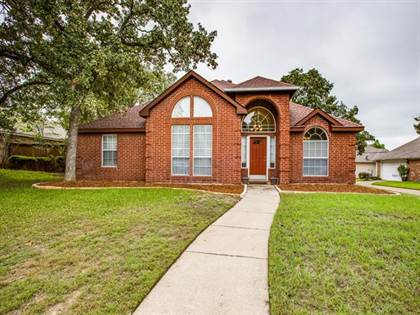 Residential for sale in 5508 Eagle Rock Road, Arlington, TX, 76017