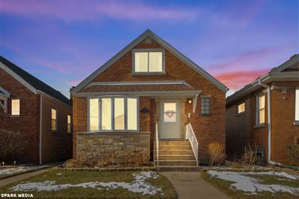 Residential for sale in 5456 North New England Avenue, Chicago, IL, 60656