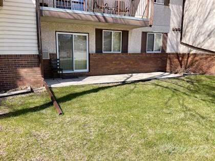 Condominium for sale in 20 Lake Crest Road, Winnipeg, Manitoba, R3T 5J8