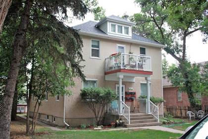 Multifamily for sale in 956 Queen Street SE, Medicine Hat, Alberta, T1A 1A8