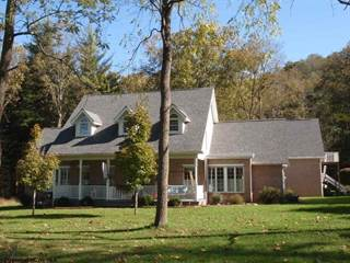 Single Family for sale in 100 Country Club Court, Kingwood, WV, 26537