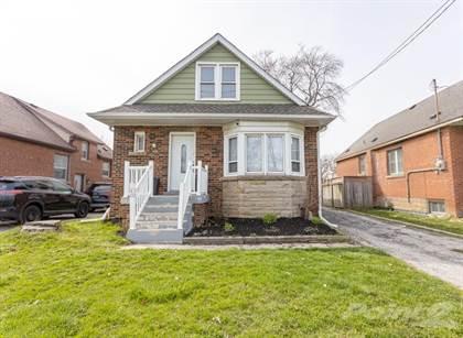Residential Property for sale in 758 Garth Street, Hamilton, Ontario, L9C 4K3
