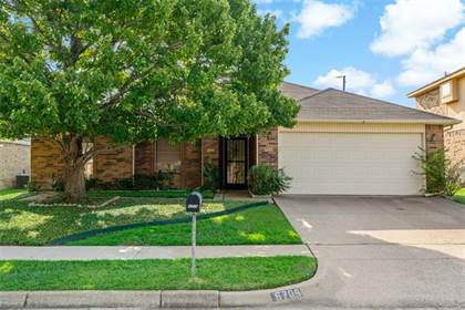 Residential Property for sale in 6709 Pecanwood Drive, Arlington, TX, 76001