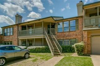 Condo for sale in 3101 Townbluff Drive 323, Plano, TX, 75075