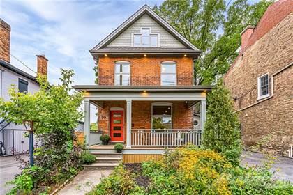 Residential Property for sale in 10 HATT Street, Dundas, Ontario, L9H 2E6