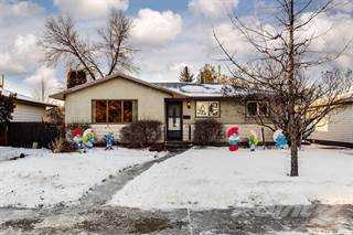 Residential Property for sale in 53 Murphy CRESCENT, Saskatoon, Saskatchewan, S7J 2T5