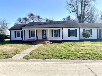 Residential Property for sale in 1405 E Cypress St, Charleston, MO, 63834