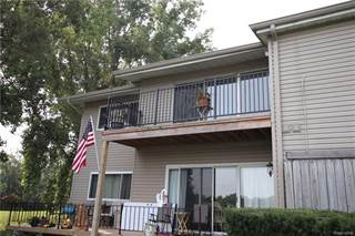 Condo for sale in 4904 Lake Point Drive, Waterford, MI, 48329