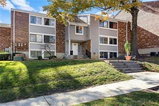 Condo for sale in 10104 W 96th Street B, Overland Park, KS, 66212