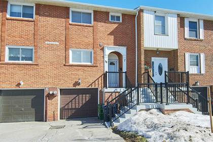 Condominium for sale in 586 Renforth Dr 38, Toronto, Ontario, M9C2N5