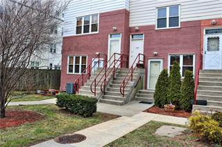 Townhouse for sale in 103 Fleet Court, Bronx, NY, 10473