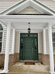 Townhouse for rent in 2006 Robinson Cl, Moosic, PA, 18507