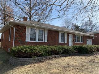 Single Family for sale in 809 Sycamore Street, Highland, IL, 62249