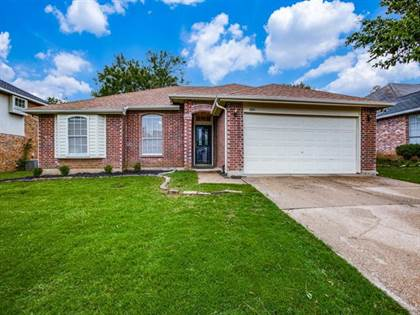 Residential for sale in 6603 Pecanwood Drive, Arlington, TX, 76001