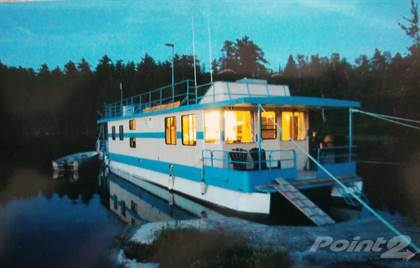 Commercial for sale in NW Ontario (Full Turnkey - Consistently Profitable) 9 CUSTOM BUILT QUALITY Houseboats (Painted 2020), North Cochrane, Ontario