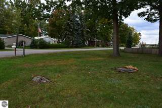 Single Family for sale in 810 Crestwood, Traverse City, MI, 49686